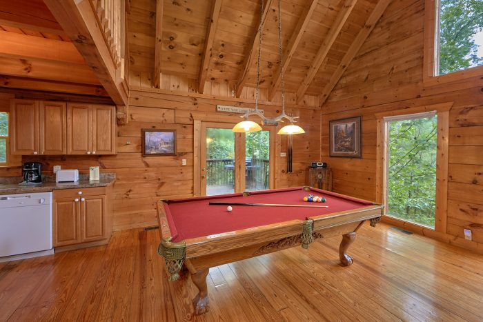 2 Bedroom Cabin with Pool Table - A Woodland Hideaway