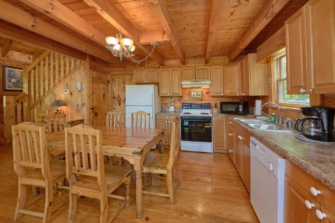 Rustic 2 Bedroom Cabin with Full Kitchen - A Woodland Hideaway