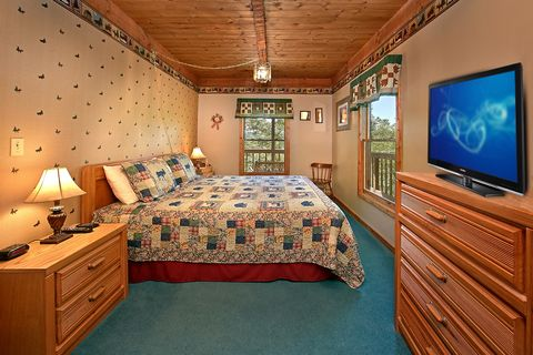 Cabin with King Sized Bed - Above the Clouds