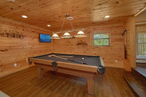 Premium 3 Bedroom Cabin with Pool Table - Above the Rest