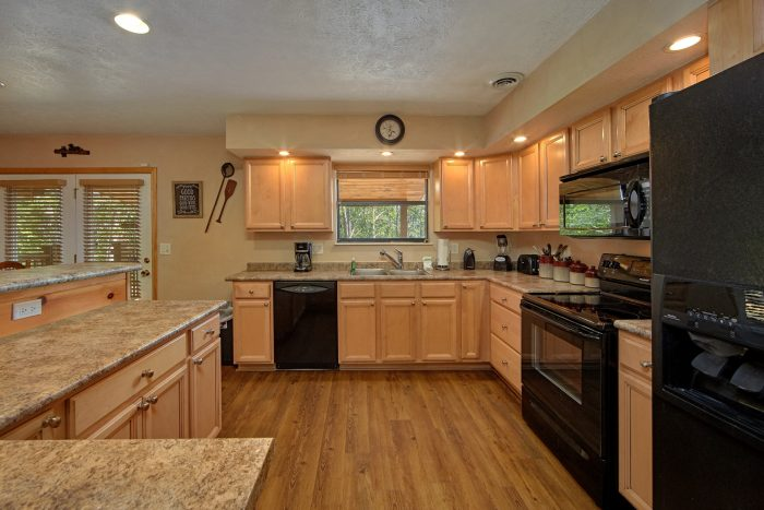Luxury Cabin with Fully Stocked KItchen - Above the Rest