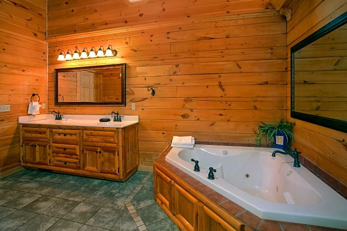 Premium Cabin with Private Jacuzzi Tub - Above The Smokies