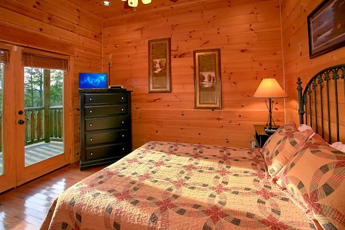 Cabin with Mountain Views and 5 King Beds - Above The Smokies