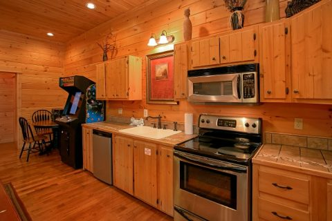 5 Bedroom cabin with Kitchenette in Game Room - Above The Smokies