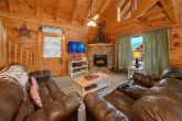 2 Bedroom Luxury Cabin with Fireplace