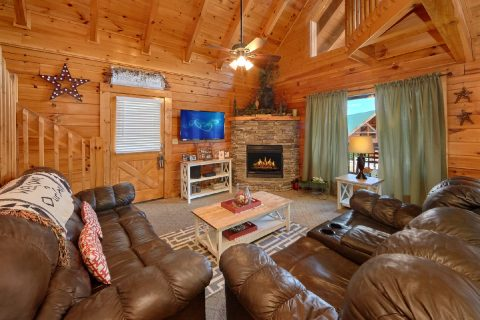 2 Bedroom Luxury Cabin with Fireplace - Absolute Delight