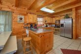 Luxurious 2 bedroom cabin with full kitchen