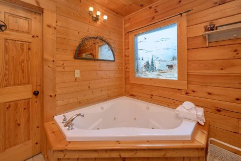 Private Jacuzzi Tub in 2 bedroom Cabin - Absolute Delight