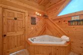 2 Bedroom cabin with 2 Jacuzzis
