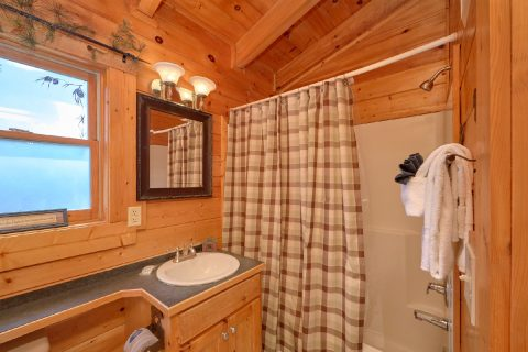 Premium 2 bedroom cabin with 2 Private baths - Absolute Delight
