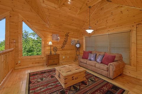 4 bedroom Cabin loft with sleeper sofa - Absolutely Viewtiful