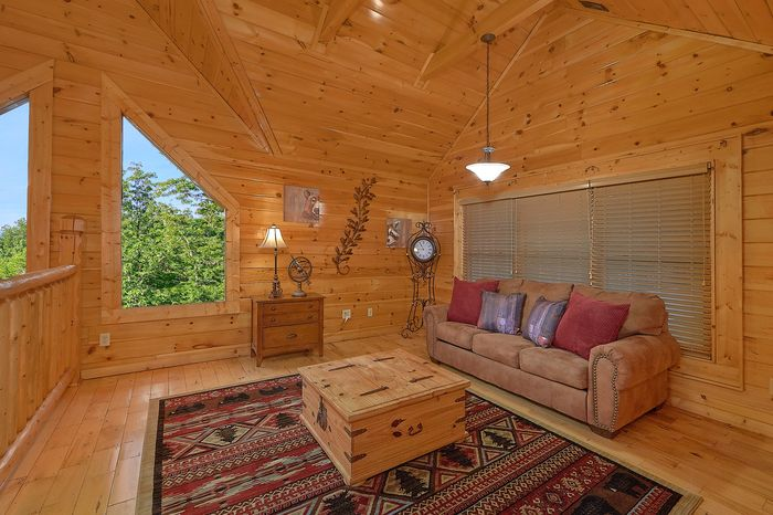 Cabin with Pool Table - Absolutely Viewtiful