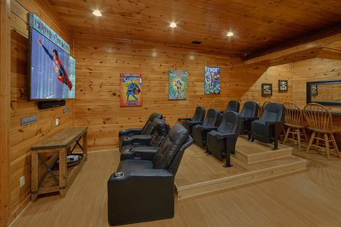 Theater Room in 4 bedroom luxury cabin - Absolutely Viewtiful