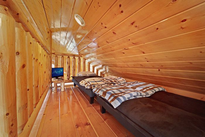 Kids Loft with Twin Beds - Adventure Lodge