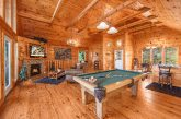 Luxury 1 Bedroom Cabin with Pool Table and Darts