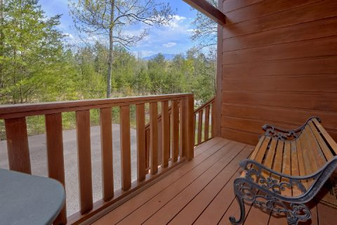 Spacious 1 Bedroom Cabin Sleeps 4 with View - Ah-Mazing