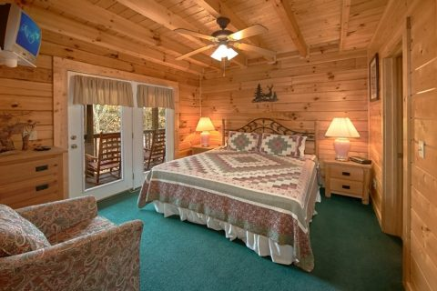 Pigeon Forge Cabin with 4 Kings & 2 Queens Bed - Alexander the Great