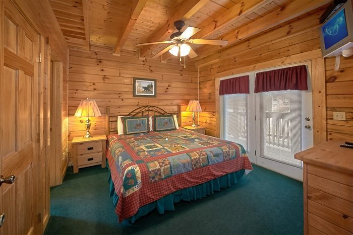 Spacious Pigeon Forge 7 Bedroom Cabin Rental - Alexander the Great