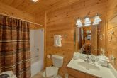 1 Bedroom 2 Bath Cabin Sleeps 4