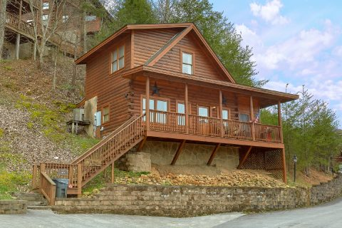 1 Bedroom 2 Bath Cabin Sleeps 4 - All About Us