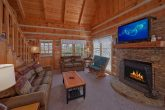 Cozy 1 bedroom cabin with wood burning fireplace