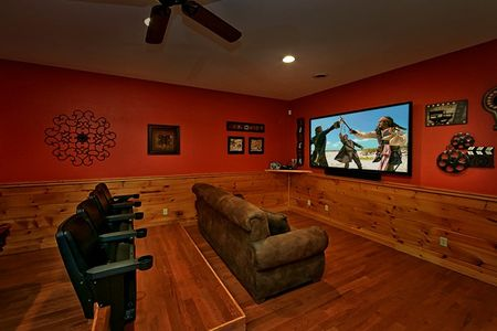 Grin N Bear It: 2 Bedroom Pigeon Forge Cabin Rental