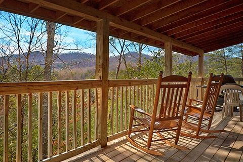 Cabin with rocking chairs - Almost Heaven