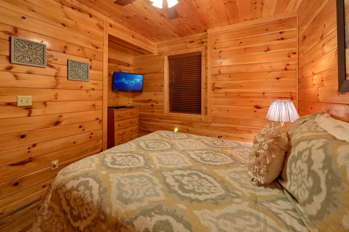 2 Bedroom Cabin Sleeps 8 in Bear Cove Falls - Almost There