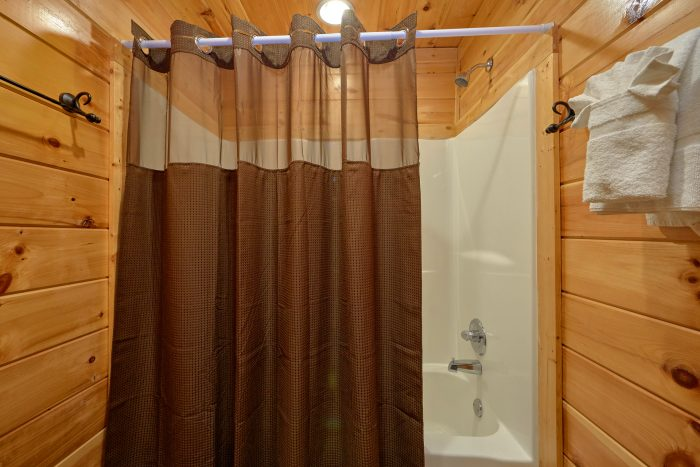 2 Bedroom Cabin 2 Bathroom Sleeps 8 - Almost There