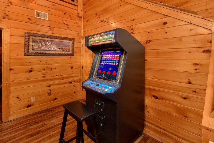 Arcade Game 2 Bedroom Cabin Sleeps 8 - Almost There