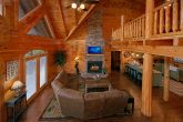 Luxury Cabin with Large Living Room & Fireplace