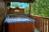 Luxury 6 Bedroom Cabin with Hot Tub and Deck