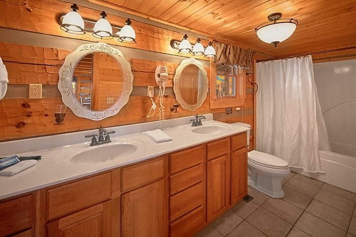 Premium Fully Furnished Cabin with 2 Baths - Altitude Adjustment