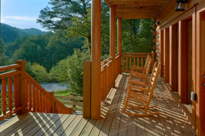 6 Bedroom Cabin with View Sleeps 16 - Amazing Grace