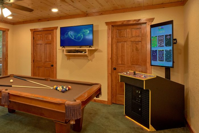 Luxury Cabin with Pool Table and Arcade - Amazing Grace