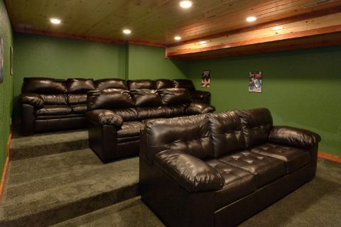 Theatre Room with Sleeper Sofa Sleep 16 - Amazing Grace