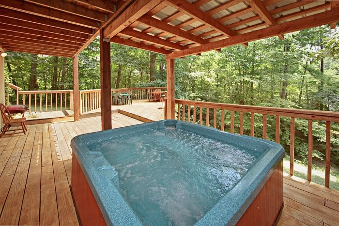 Cabin with Covered Hot Tub - Amazing Majestic Oaks
