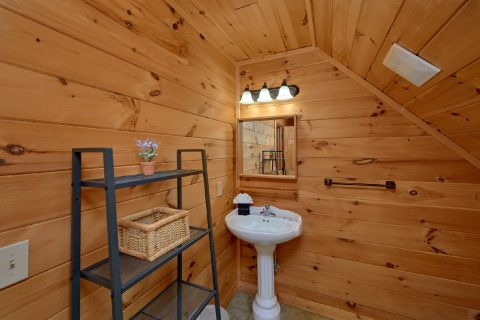Cabin with 4 Master Bedrooms and Private Baths - Amazing Views to Remember