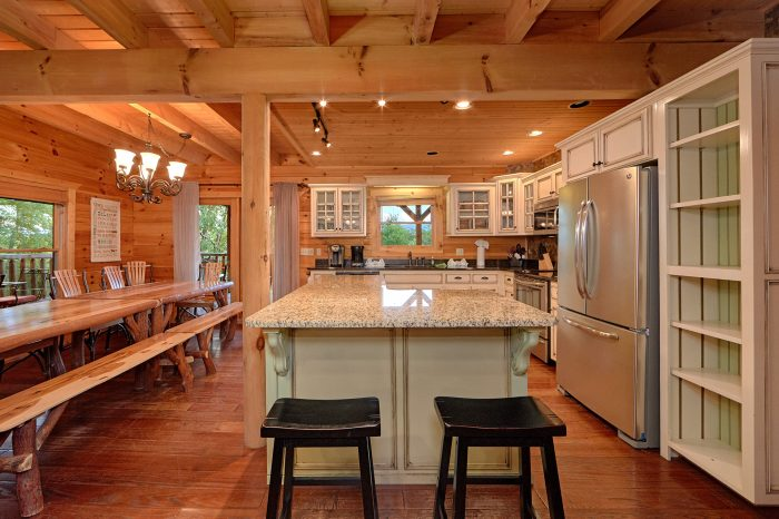 6 Bedroom Cabin with Luxurious Kitchen - American Dream Lodge