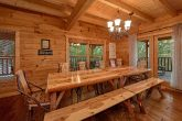 6 Bedroom Cabin with Family Size Dining Room