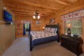 King Bedroom with Jacuzzi in 6 Bedroom Cabin
