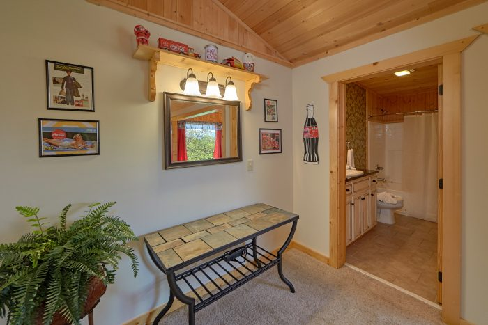 6 Bedroom Cabin with 4 Master Bedrooms - American Dream Lodge