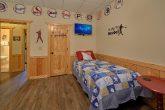 6 Bedroom Cabin with Bunk Bedroom for Kids