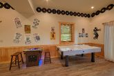 6 Bedroom Cabin with air hockey game and arcade