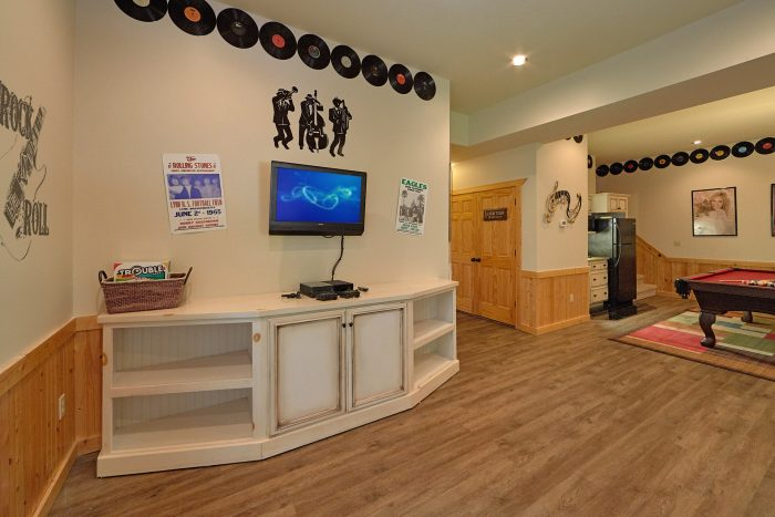 Cabin with Game Room, Pool Table and arcade - American Dream Lodge