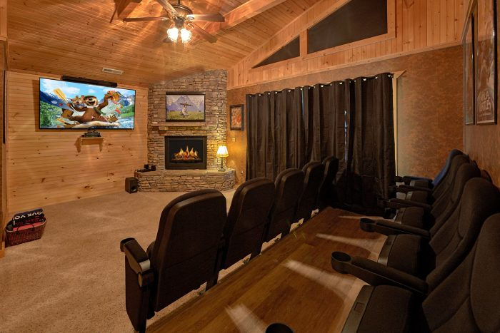 Spacious Cabin with 6 bedrooms and theater room - American Dream Lodge