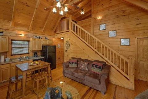 3 Bedroom Gatlinburg Cabin with Open Space - American Honey