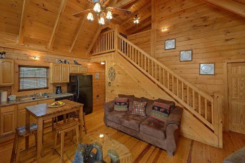 3 Bedroom Gatlinburg Cabin with Open Space - American Honey