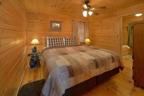 Main Floor Bedroom Gatlinburg Cabin Sleeps 8 - American Honey