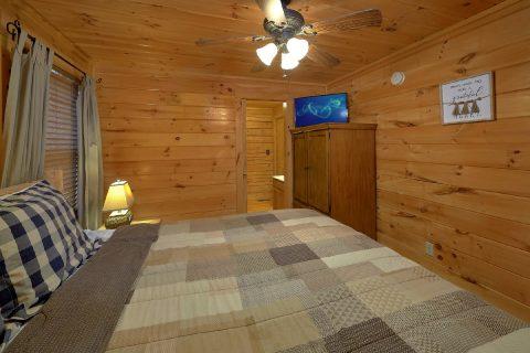 TV's in All Bedrooms - American Honey